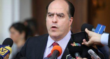 Tribunal de Venezuela ordena detención del opositor Julio Borges por atentado contra Maduro