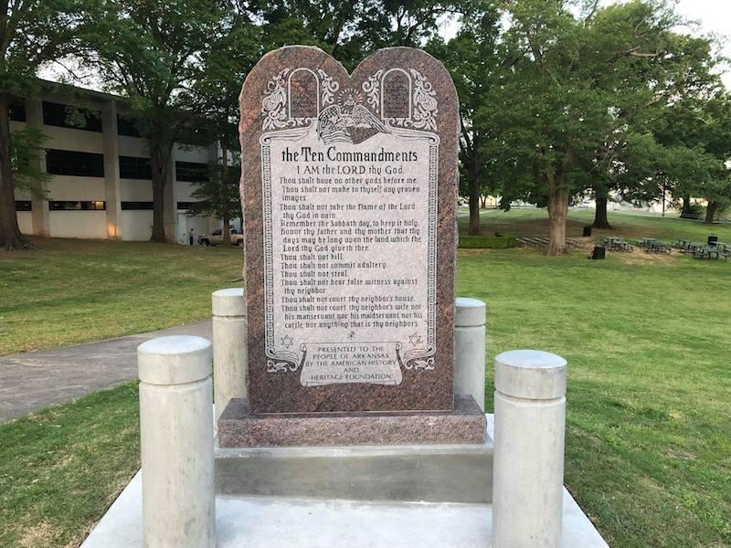 monumento-arkansas-10-mandamientos