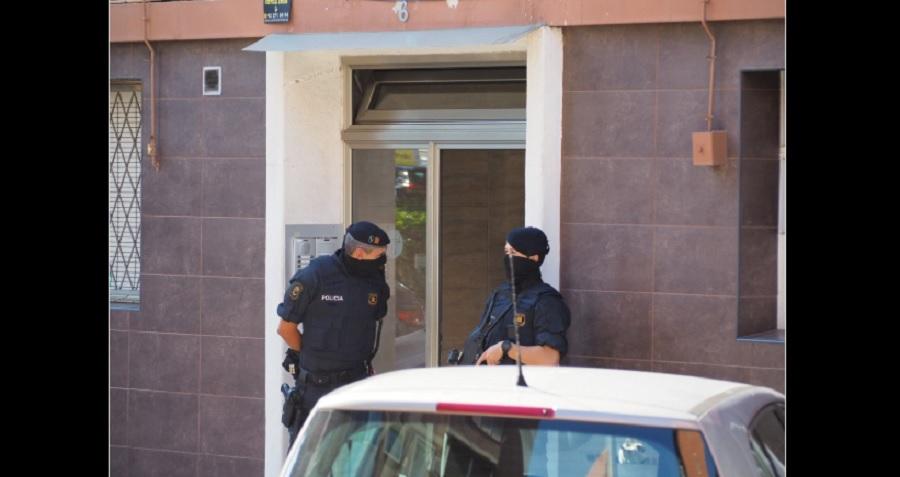 Cateo en domicilio de agresor en Cornella, Barcelona