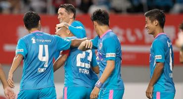 Niño Torres anotó en la goleada al equipo de Andrés Iniesta