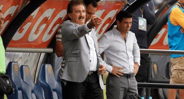 Ricardo La Volpe suma al 'Chiquis' García como auxiliar del Pyramids FC