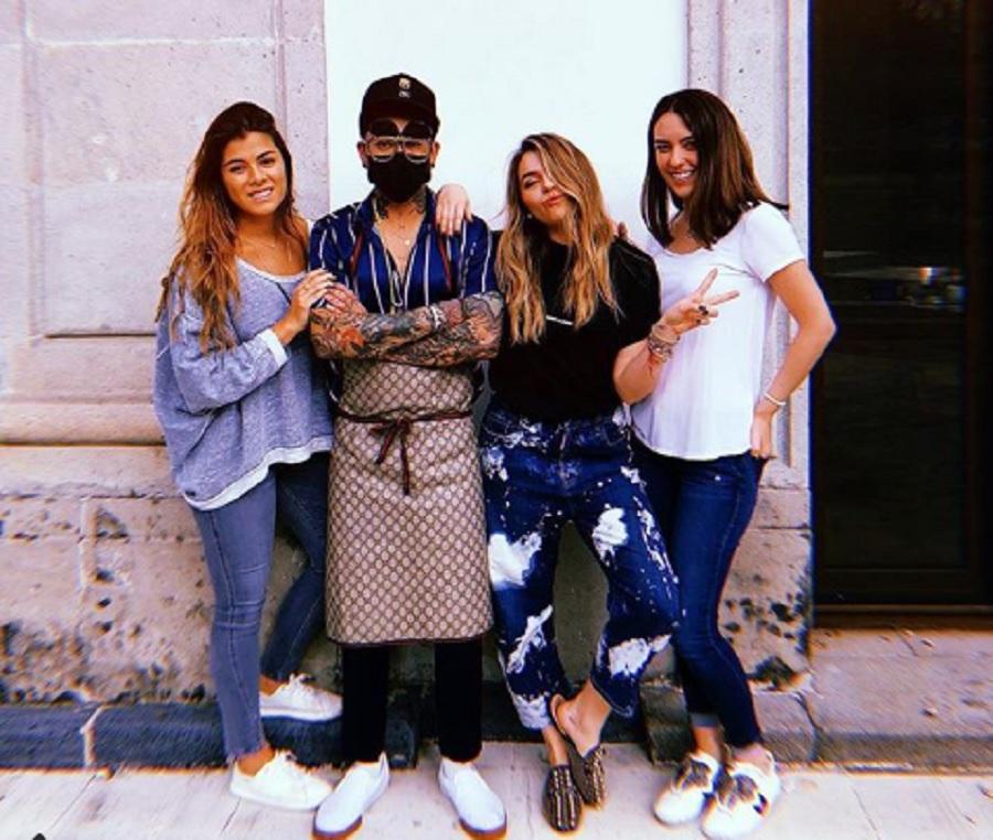 Hijas de EPN con tatuador en Los Pinos