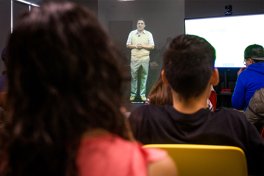 Clases con holograma en el Tec de Monterrey