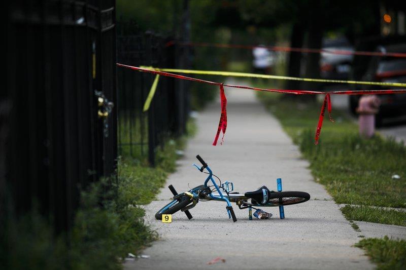 Ola de violencia en Chicago deja 11 muertos y heridos