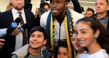 ¡Ya llegó! Usain Bolt reportó en Australia para probarse con Central Coast Mariners