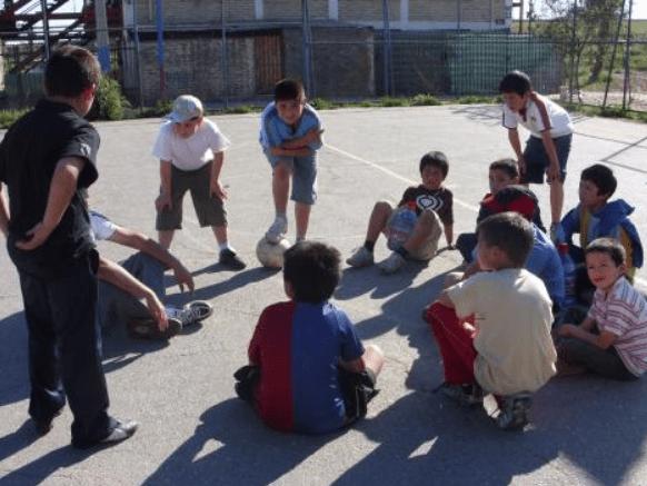 10 reglas sagradas del futbol callejero que seguramente conoces