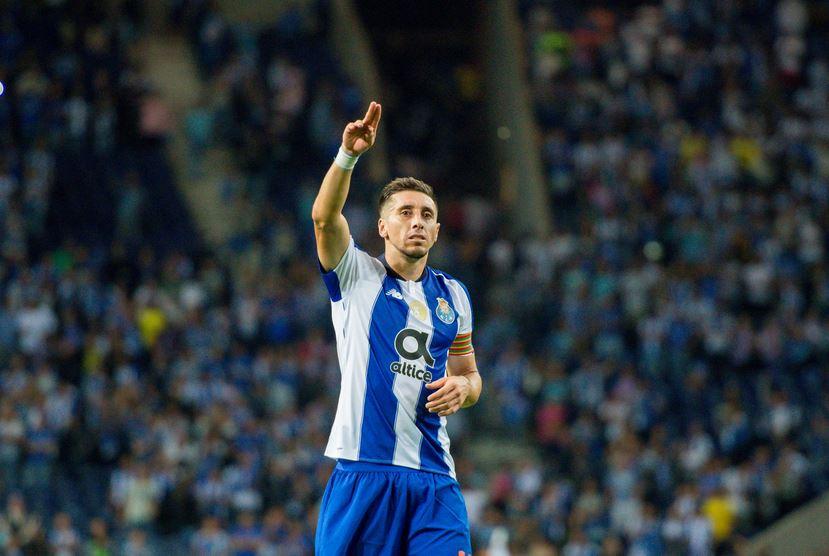 Héctor 'el guapo' Herrera anotó con el FC Porto y aquí está el gol