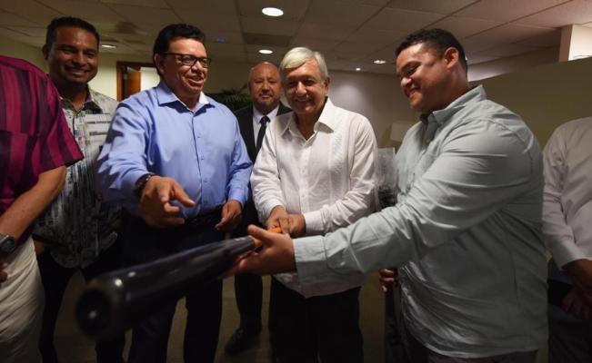 AMLO mandó un mensaje de bienvenida a Maradona previo a su debut