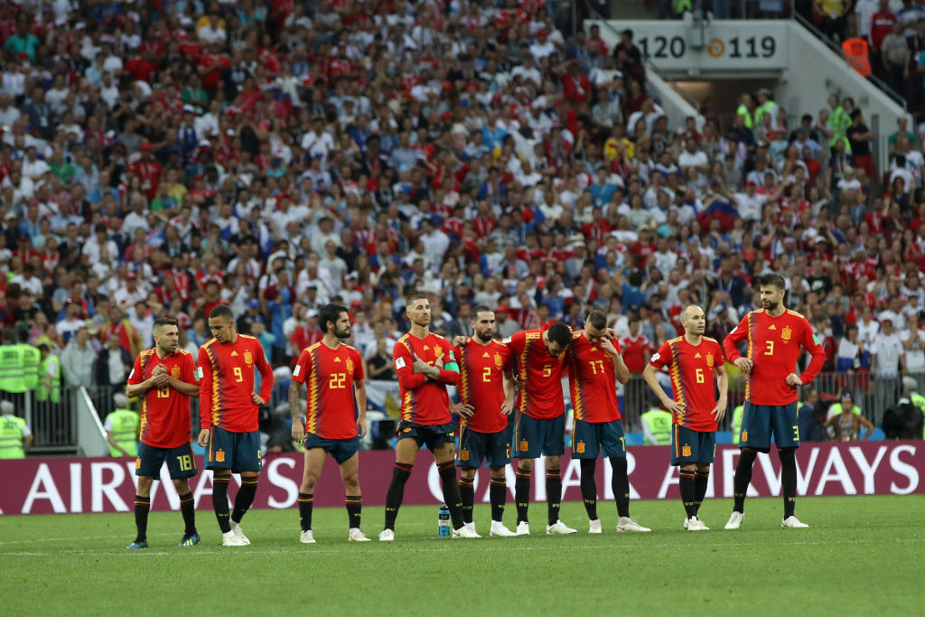 Heredaron dorsales de Iniesta, Piqué y Silva en la Selección de España