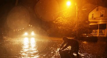 Entre inundaciones y operativos, Florence toca tierra en Carolina del Norte