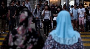 Castigan con azotes a mujeres por mantener relaciones sexuales en Malasia