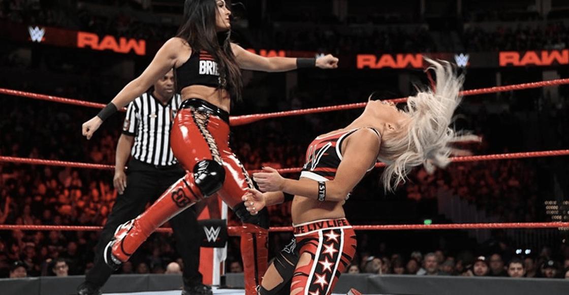 "Luchadora de WWE ""sufre amnesia"" tras una tremenda patada"