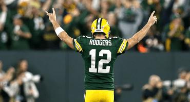 Aaron Rodgers sufre esguince de rodilla y es duda ante Minnesota