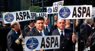 Pilotos de Aeroméxico amenazan con huelga para el próximo 1º de octubre