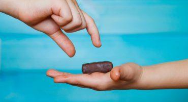 ¿Por qué el compartir es algo contagioso? La ciencia responde