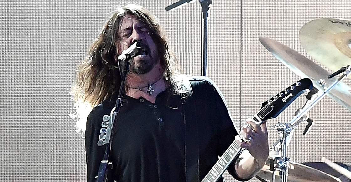 "¡Ow! Foo Fighters invita a mamá e hija a cantar ""Under Pressure"""