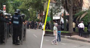 Enfrentamiento entre granaderos y habitantes por desalojo en la Colonia Juárez