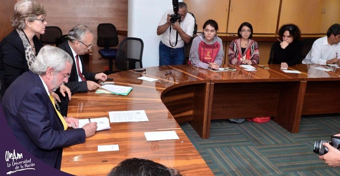 El rector de la UNAM, Enrique Graue, firmó el pliego petitorio del CCH Azcapotzalco