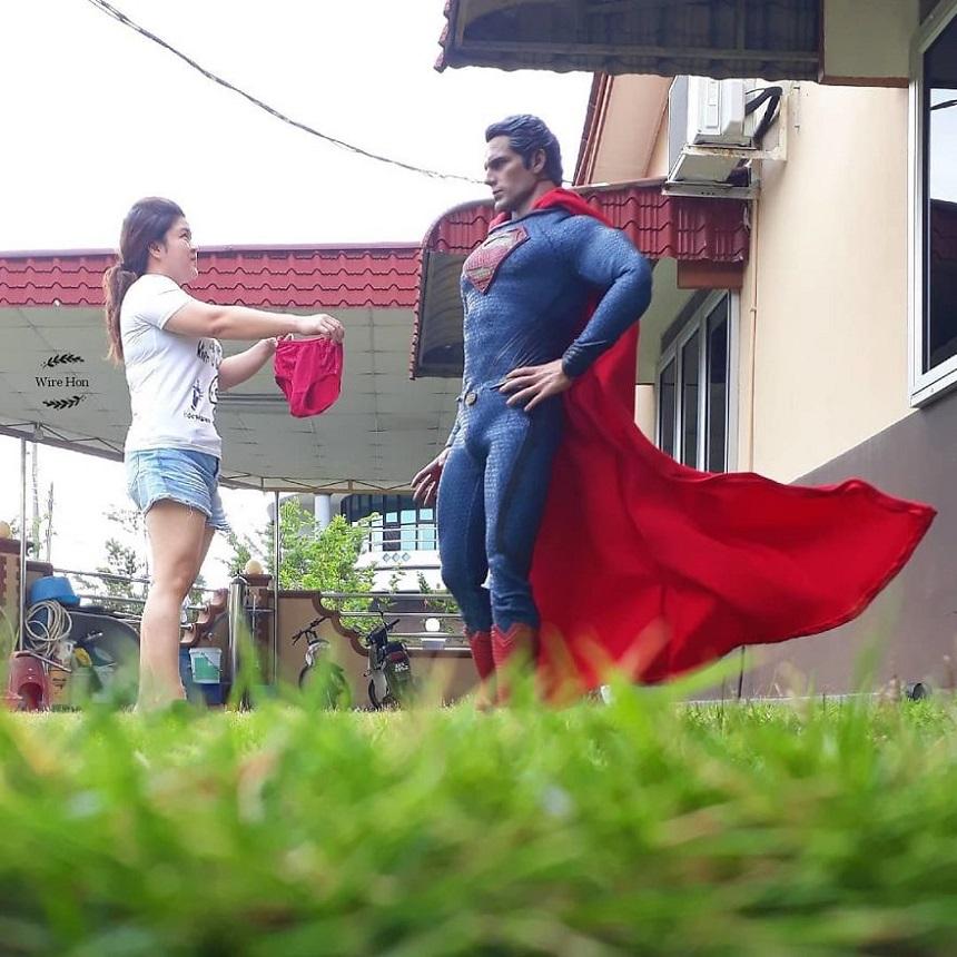Fotos con figuras de Superhéroes - Superman