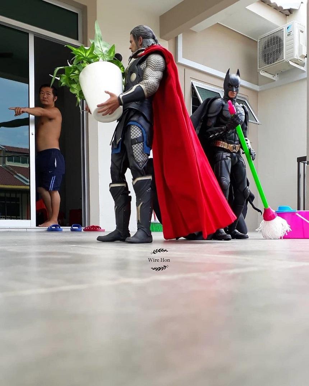 Fotos con figuras de Superhéroes - Thor