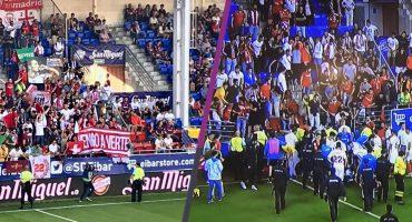 En imágenes: grada se cayó en el Eibar vs Sevilla y deja varios heridos