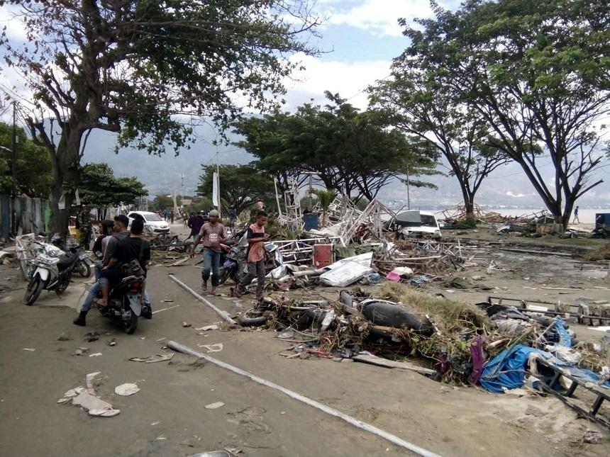 Devastación tras el terremoto y el tsunami que azotaron varias zonas de Indonesia