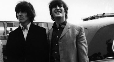 Lennon y Harrison en un video nunca visto de 'How Do You Sleep?'