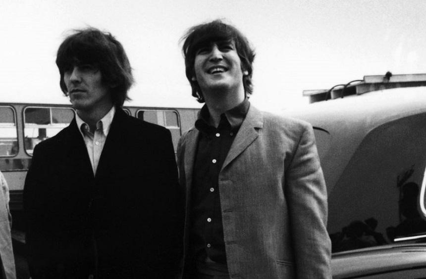 John Lennon y George Harrison