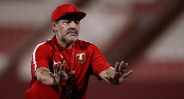 Maradona aclara que no dejará su cargo en Bielorrusia y viene a México