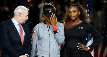 Serena Williams cae en la final del US Open ante la abucheada Naomi Osaka y sale en su defensa