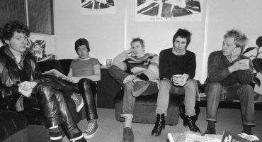 Mira el concierto de los Sex Pistols que fue interrumpido por policías británicos