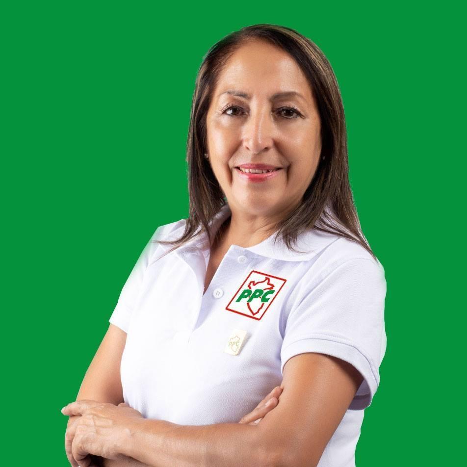 Silvia Velasquez por Comas