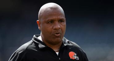 ¡Adiós! Cleveland Browns despiden a su head coach Hue Jackson