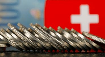 ¡Pum! Suiza le pone fin al secreto bancario: compartirá datos con autoridades