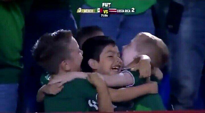 ¡Tira paro! Tigres busca a los niños que festejaron gol del Tri para darles un premio