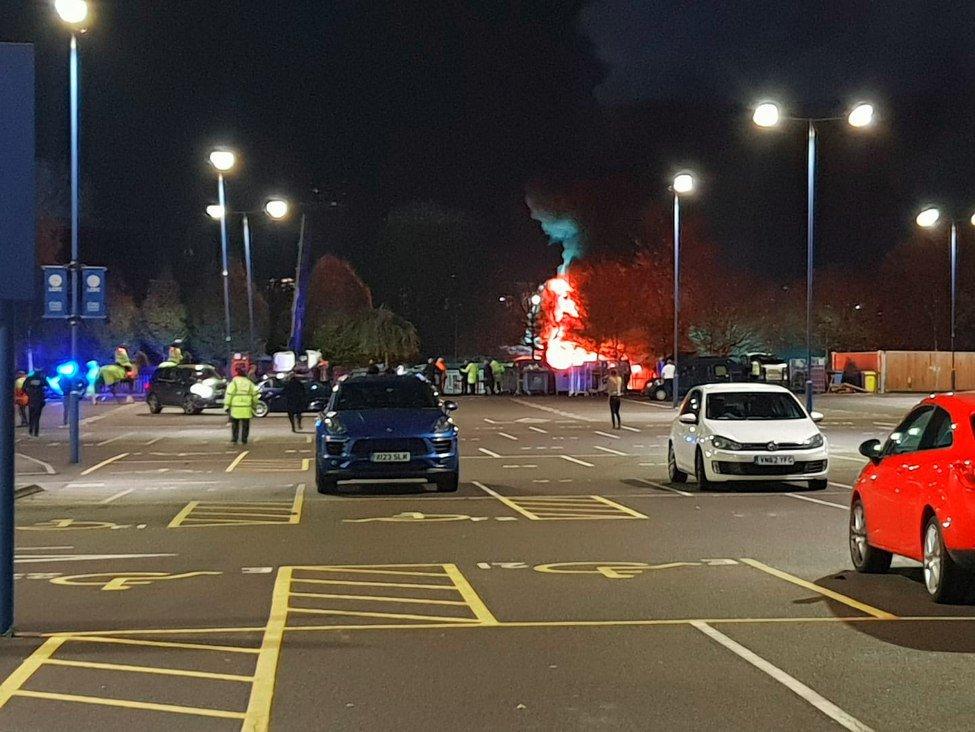 De último momento: Helicóptero de los dueños del Leicester se estrelló afuera del estadio