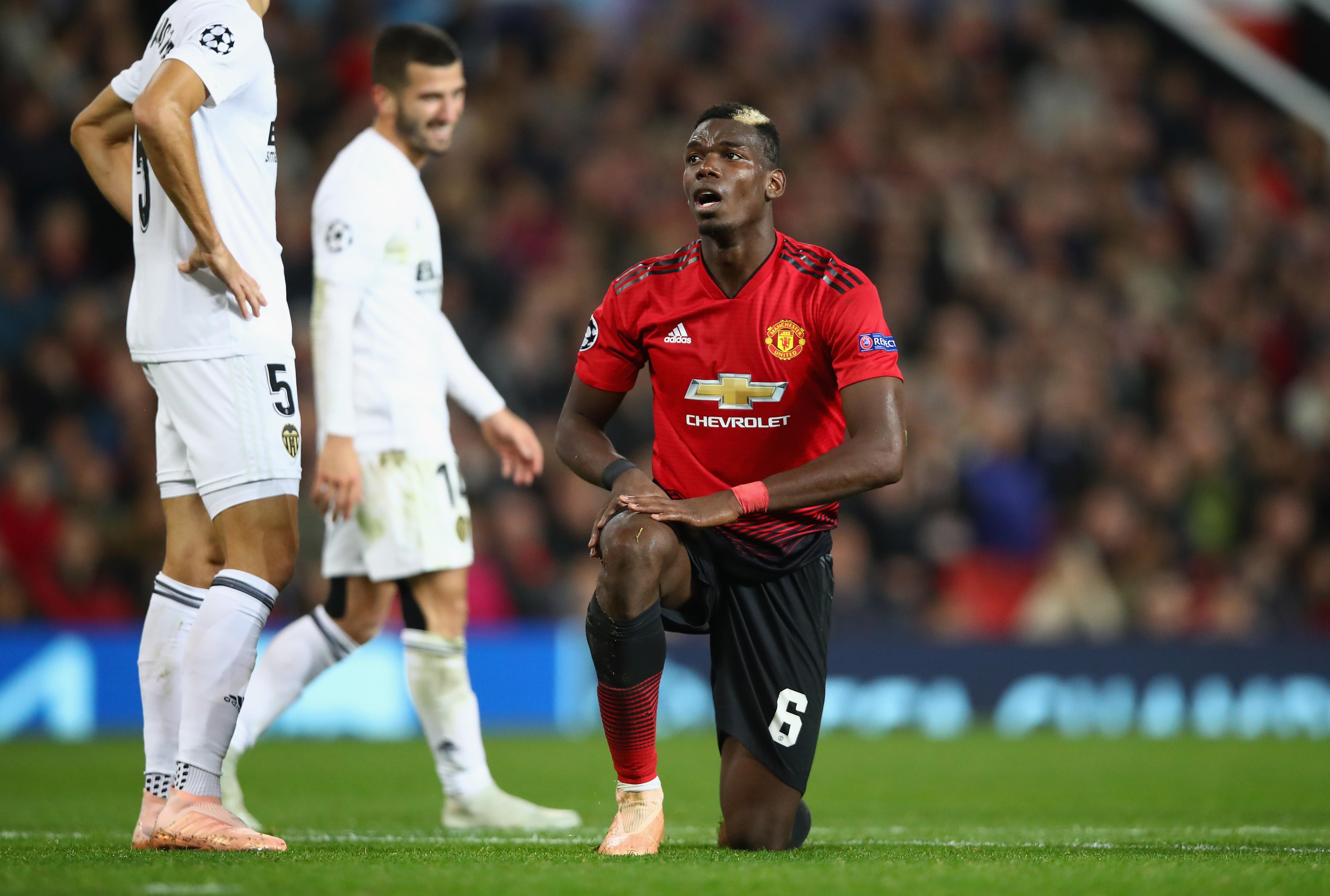 ¡Tómala! UEFA sancionará al Manchester United por llegar tarde al partido de Champions