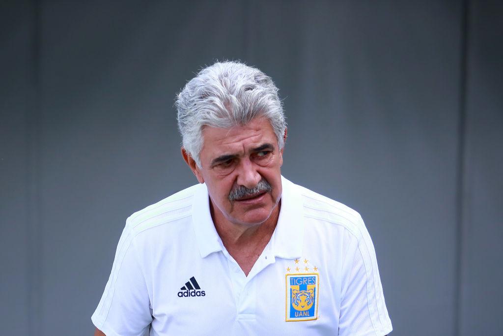 ¡Amigos! 'Tuca' Ferretti defendió al 'Piojo' Herrera por expulsión en Tigres vs América