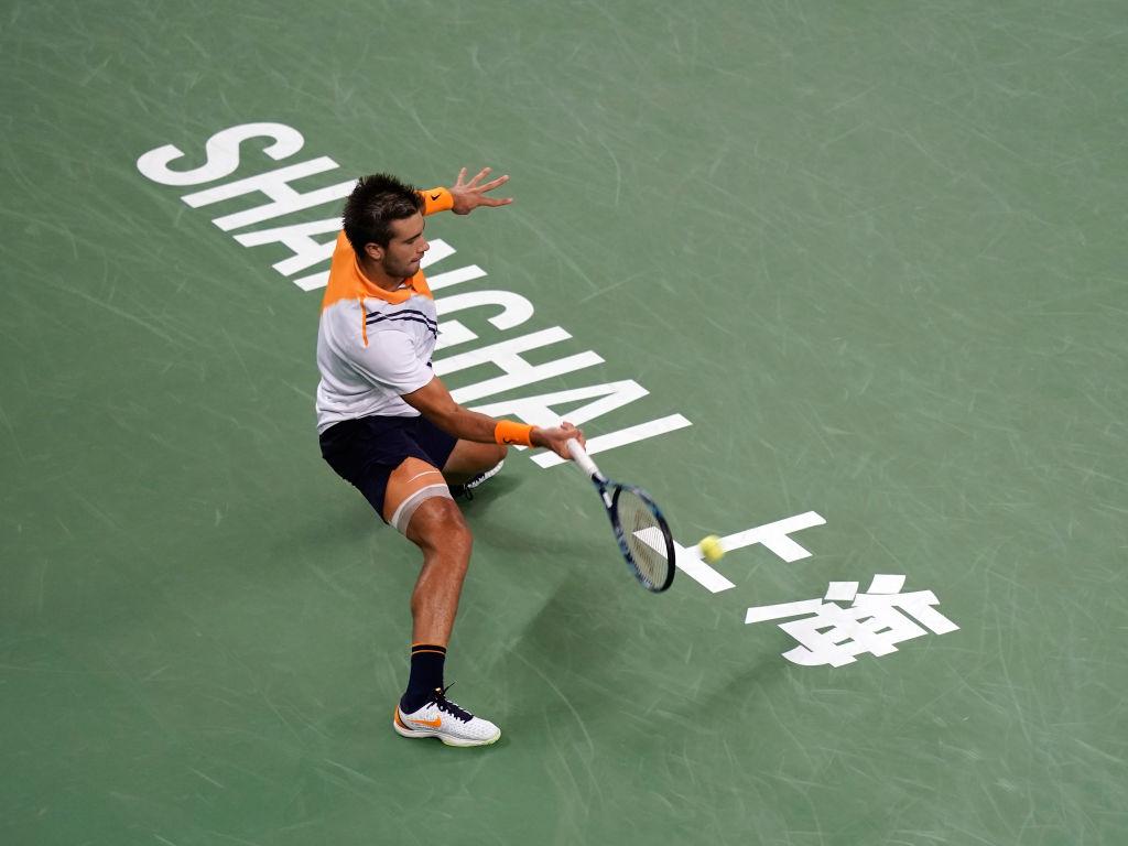¡Borna Coric eliminó a Federer en semifinales del Masters de Shanghái!