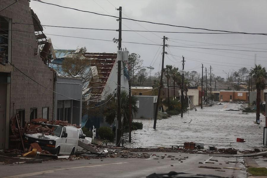 Al menos 12 muertos ha dejado el paso del huracán Michael en Estados Unidos