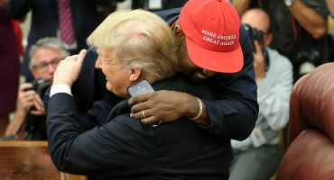 Kanye West dice que la gorra de Trump lo hizo sentir como Superman