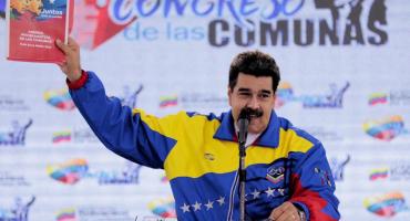 Maduro le dice 'loco' a Pence por la versión de Venezuela y la caravana migrante