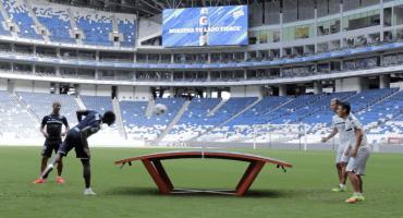 ¿Qué es el teqball, el nuevo deporte favorito de los futbolistas?