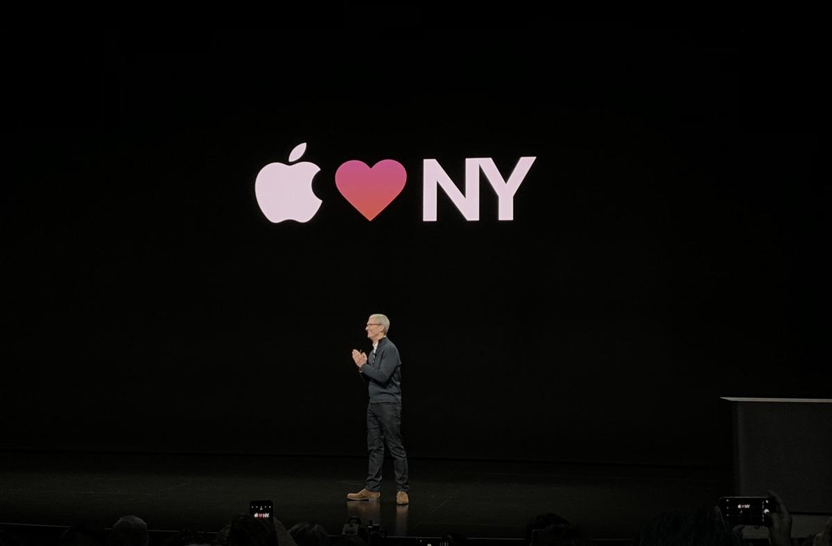 Tim Cook durante la presentación de las nuevas Mac Book Air