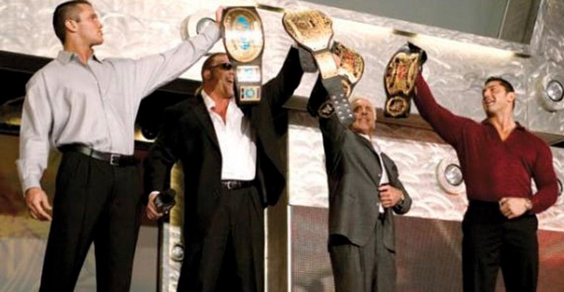 ¡Batista regresará al episodio 1000 de SmackDown y reunirá a Evolution!