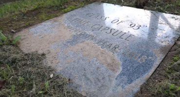 Esto es lo que había en una cápsula del tiempo enterrada en 1993