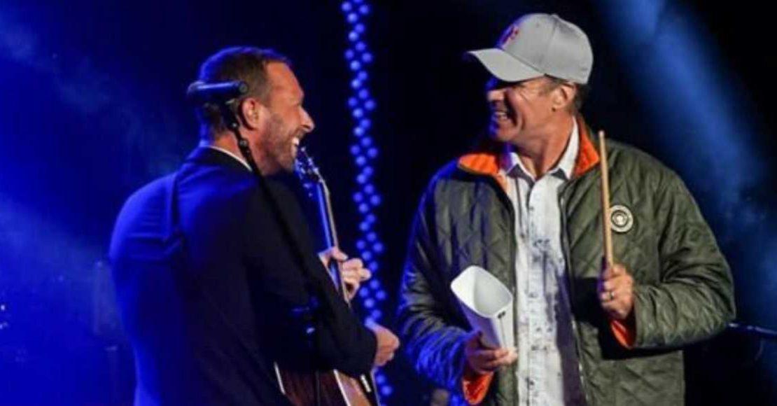 "Mira a Chris Martin cantar ""Viva La Vida"" con Will Ferrell"