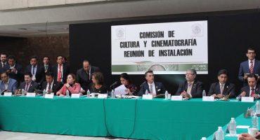 ¿Y Garibaldi, paps? Sergio Mayer inaugura Comisión de Cultura con show musical