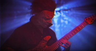Michael Myers toca un cover de Halloween en heavy metal