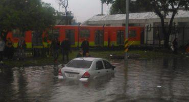 Indios Verdes bajo el agua, Metro y Metrobús suspenden servicio por intensa lluvia